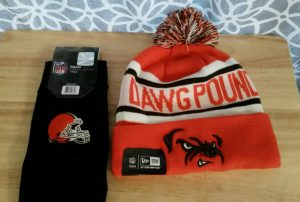 Cleveland Browns hat and gloves